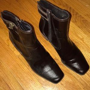 Liz Claiborne Women's dress boots